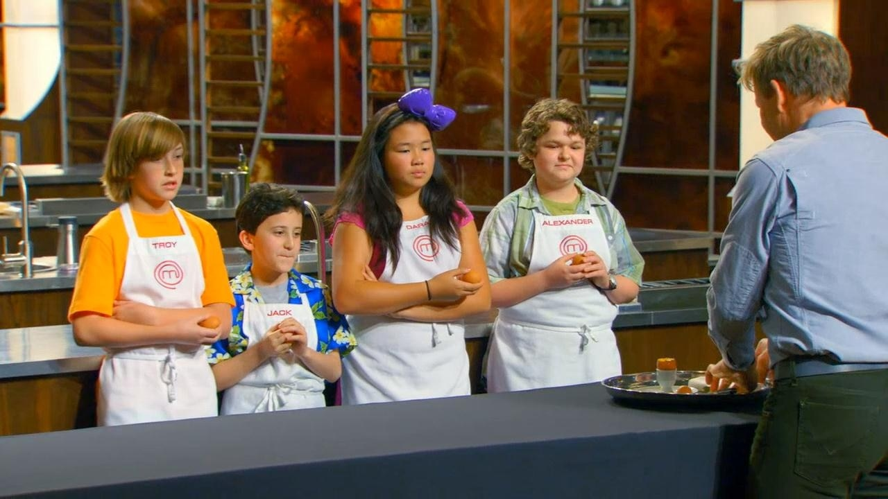 The Final Four prepare one amazing dish to make it to the Top Two. FRI 8/7c