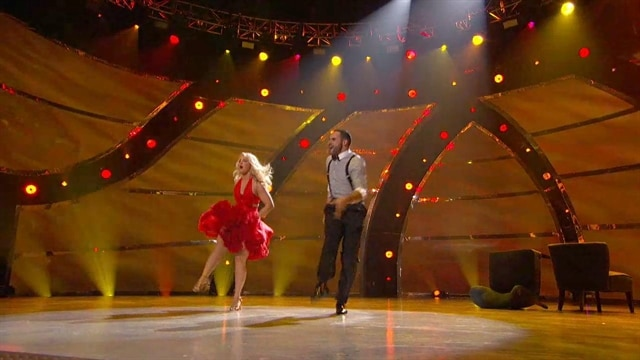 Aaron & Chelsie: Top 8 Perform
