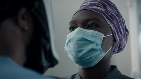 The Resident S4 AJ & Mina Have A Moment Before Surgery 2020-12-18