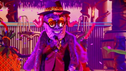 """The Masked Singer S6 Octopus Performs """"Tutti Fruitti"""" By Little Richie 2021-09-22"""