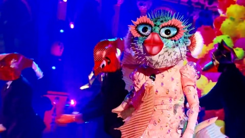 """The Masked Singer S6 Pufferfish Performs """"Say So"""" by Doja Cat 2021-09-21"""