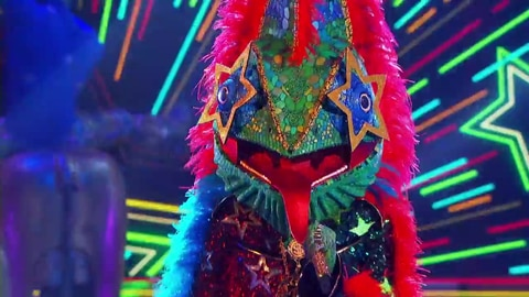 """The Masked Singer S5 Chameleon Performs """"Ride Wit Me"""" By Nelly 2021-03-16"""