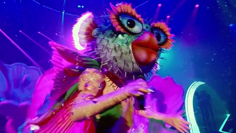 """The Masked Singer S6 Pufferfish Performs """"Levitating"""" By Dua Lipa ft. DaBaby 2021-09-23"""