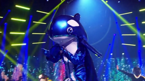 "The Masked Singer S5 Orca Performs ""We're Not Gonna Take It"" By Twisted Sister 2021-03-23"