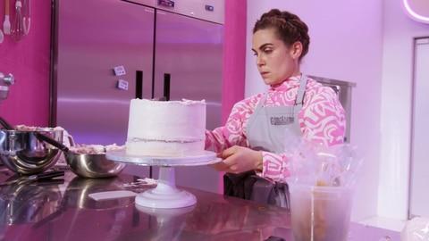Crime Scene Kitchen S1 Building A Butter Cream Dam Cake 2021-07-13