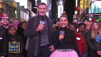 gronk & maria congratulate the winners tile image