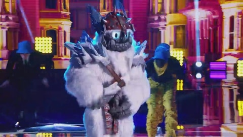 "The Masked Singer S5 Yeti Performs ""It Takes Two"" by Rob Base and DJ EZ Rock 2021-05-04"