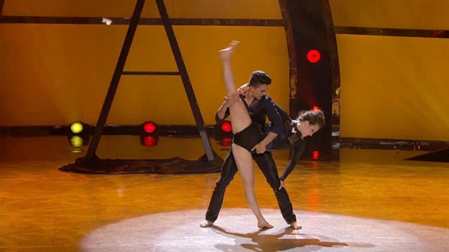 Paul & Kathryn: Top 6 Perform