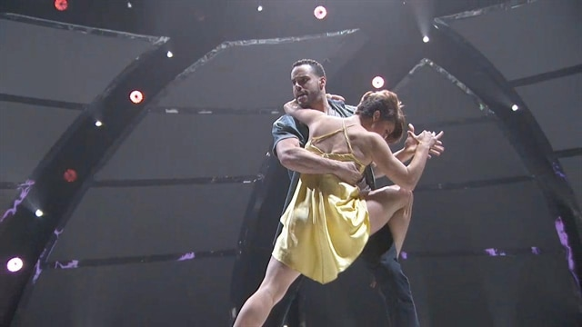 Aaron & Melanie: Top 6 Perform