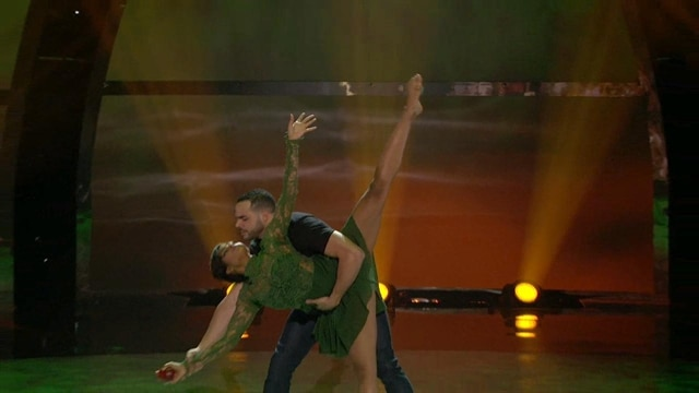 Jasmine H & Aaron: Top 14 Perform